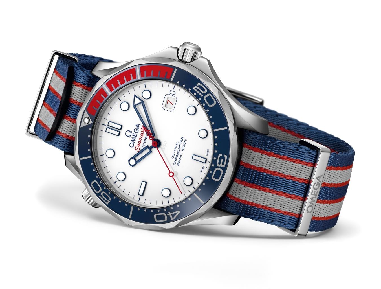 OMEGA Seamaster Diver 300M Commander's Watch 212.32.41.20.04.001 в честь сэра Джеймса Бонда