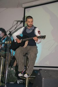 На сцене - группа Uma2rman