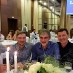 Можно и отдохнуть в кругу друзей: Владимир Жидков, Дмитрий Дмитриев, Владимир Борисов и Валерий Решетников