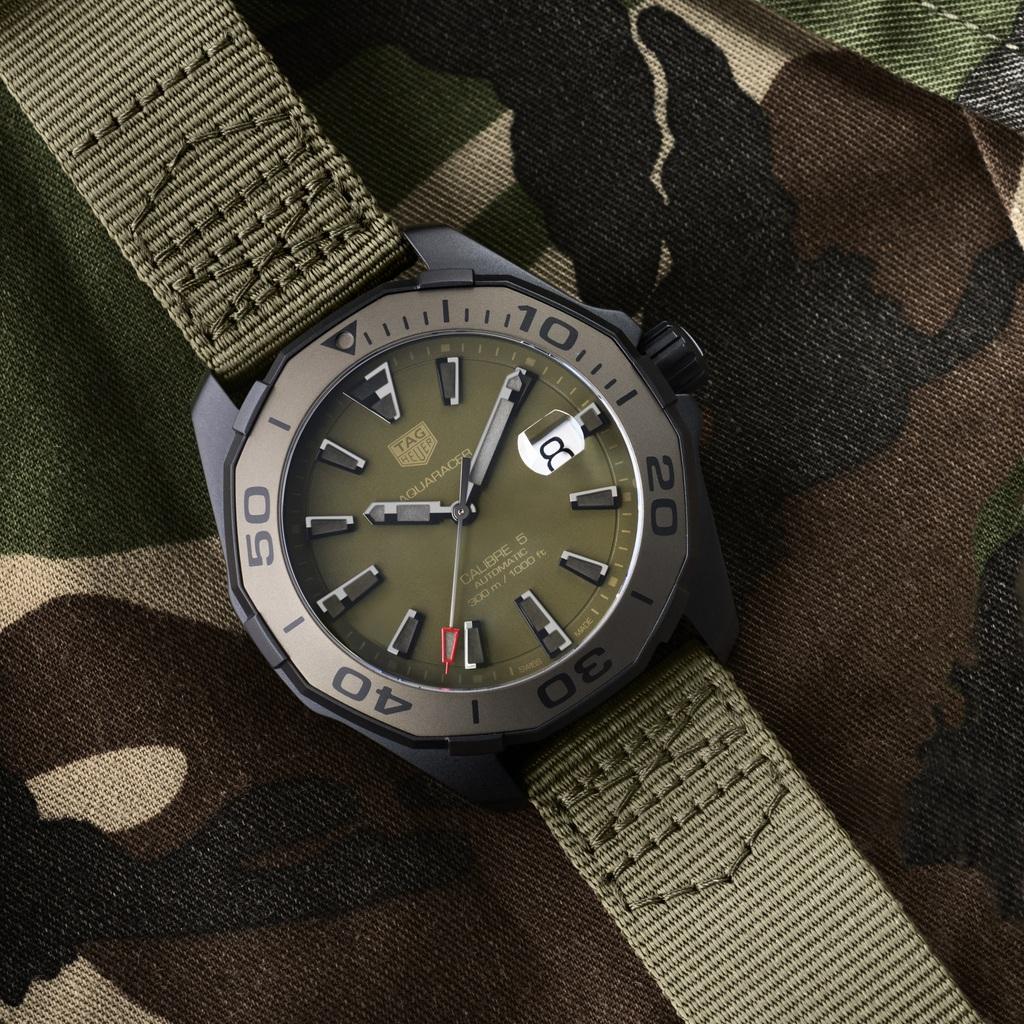 Tag Heuer AQUARACER Camouflage 300m Calibre 5 WAY208E.FC8222