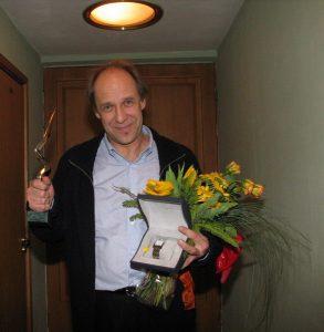 Лауреат премии Чайка 2003 и обладатель специального приза от компаний Eurotime и Longines Александр Феклистов