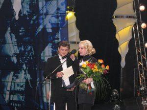 Сергей Фролов и лауреат премии «Чайка» 2003 в номинации «Улыбка Ж» Чулпан Хаматова