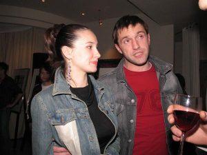 Актер Владимир Вдовиченков со спутницей