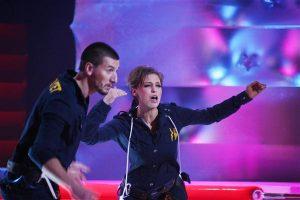 Нелли Уварова объявляет одну из номинаций