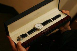 Часы Longines Clous de Paris, врученные Дмитрию Дюжеву